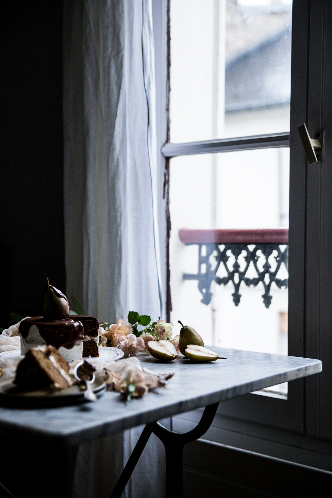 layer-cake-poires-cardamone-glacage-mascarpone-et-vanille-coulant-au-chocolat-ophelies-kitchen-book-ophelie-lauret-11