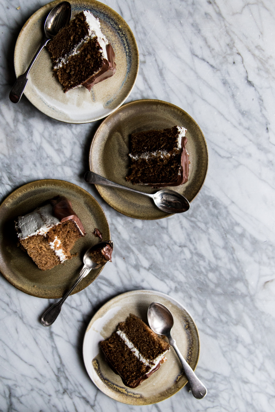 layer-cake-poires-cardamone-glacage-mascarpone-et-vanille-coulant-au-chocolat-ophelies-kitchen-book-ophelie-lauret-24
