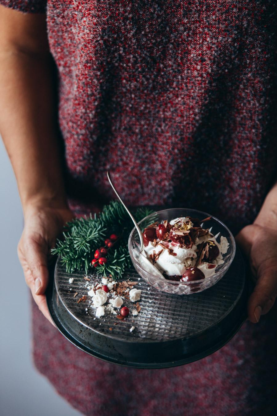 eton-mess-aux-griottes-chocolat-noir-ophelie-lauret-ophelies-kitchen-book