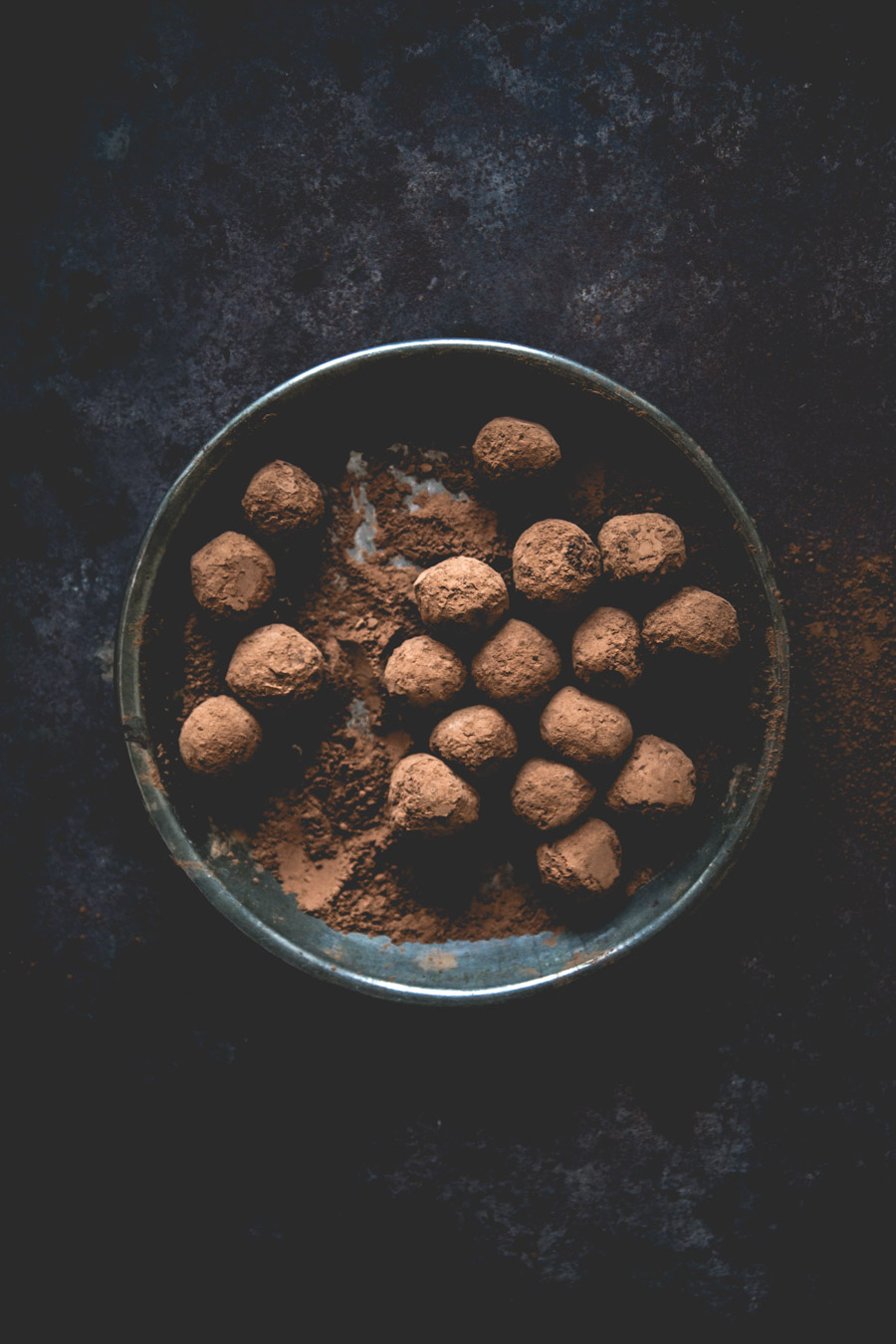 recette-classique-truffes-au-chocolat-noisettes-noix-de-coco-ophelie-lauret-ophelies-kitchen-book-2