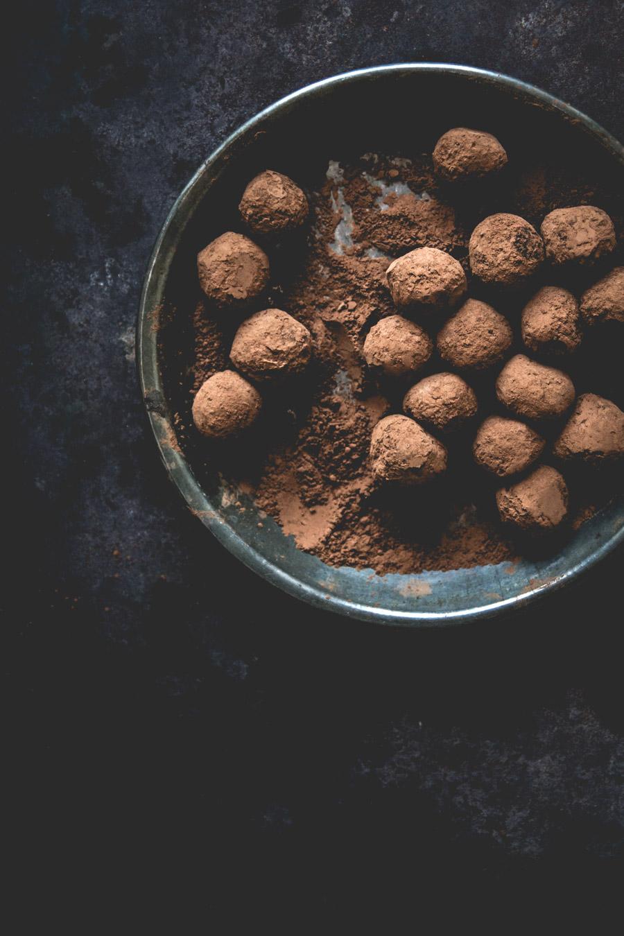 recette-classique-truffes-au-chocolat-noisettes-noix-de-coco-ophelie-lauret-ophelies-kitchen-book-3
