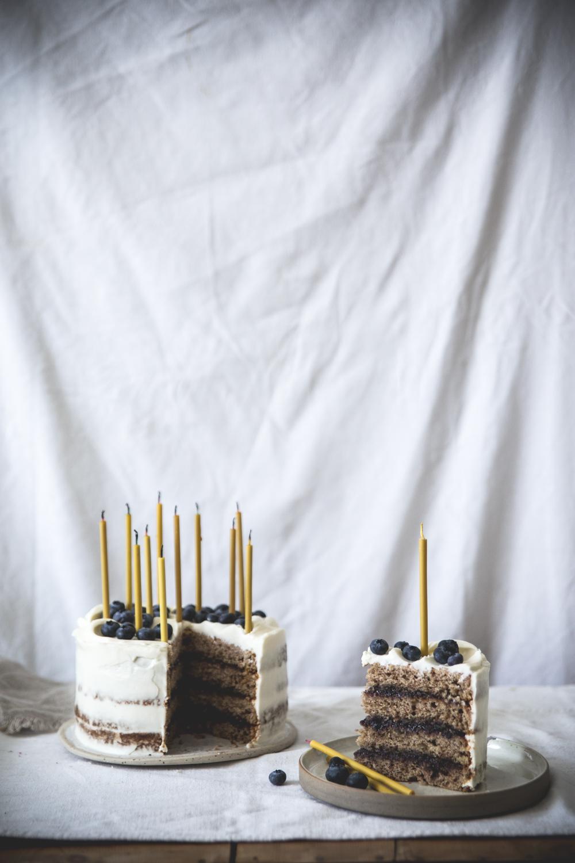 Gateau à étages à la banane, coco, myrtilles - Ophelie Lauret - Ophelie's Kitchen Book-11