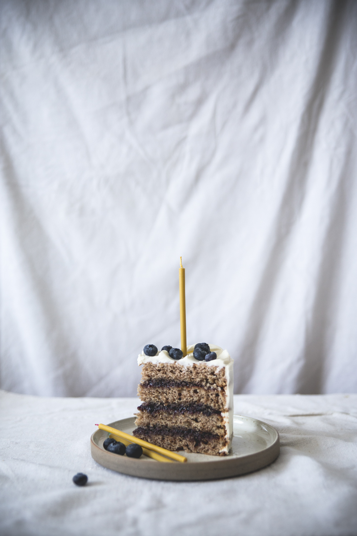 Gateau à étages à la banane, coco, myrtilles - Ophelie Lauret - Ophelie's Kitchen Book-12