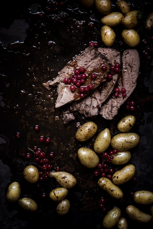 Gigot de chevreuil sauce groseille - Ophelie's Kitchen Book - Ophelie Lauret-2