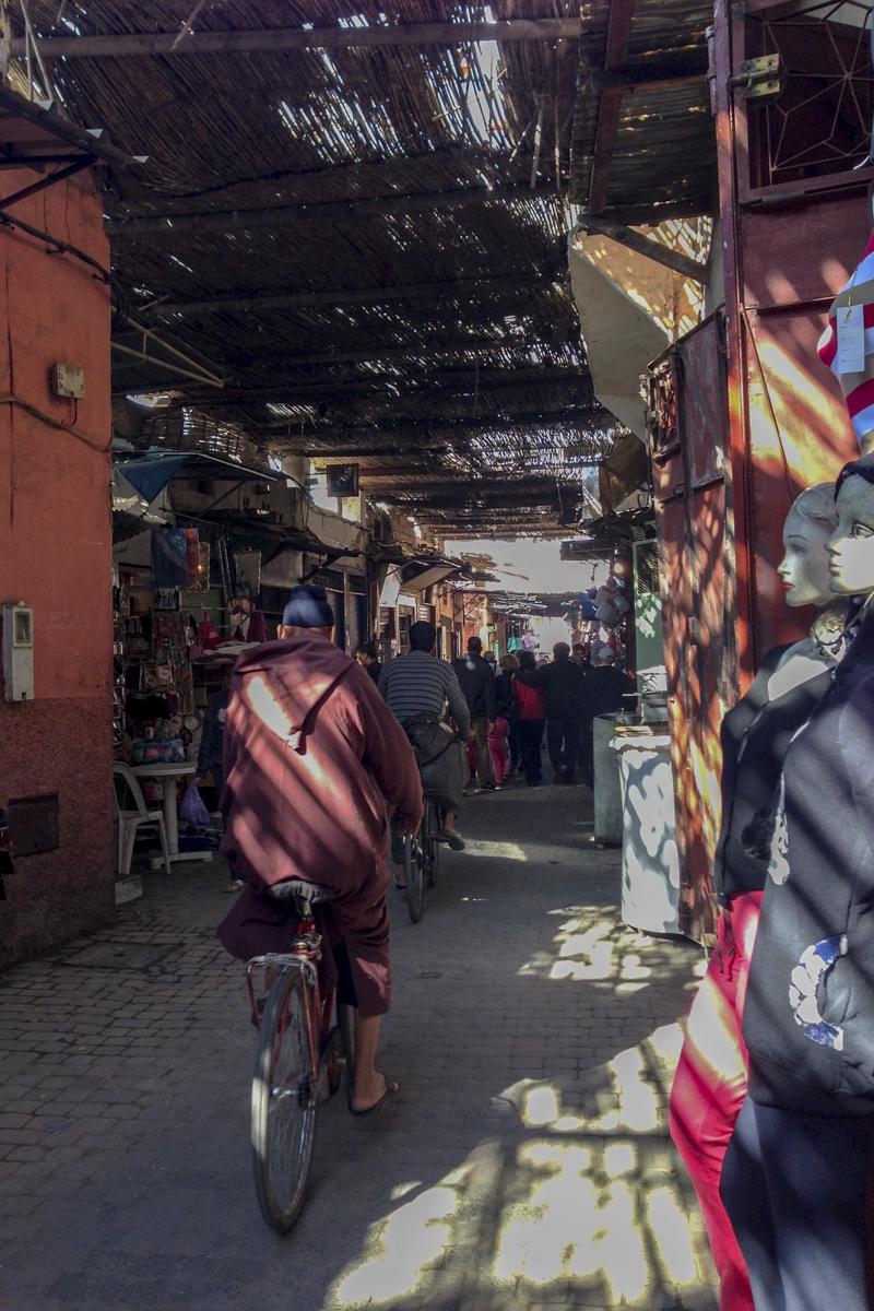 Marrakech-medina strees scene_2