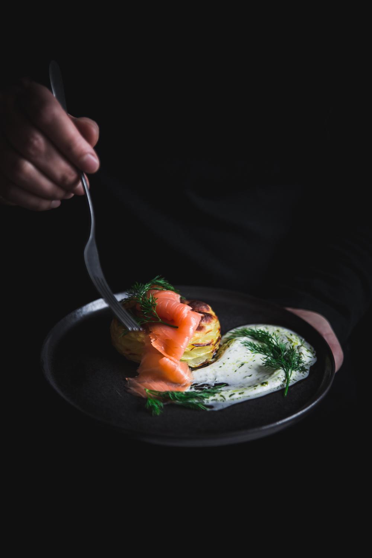 Mille-feuilles de pommes de terre au four saumon et sauce yaourt aneth - Ophelie Lauret - Ophelie's Kitchen Book-7