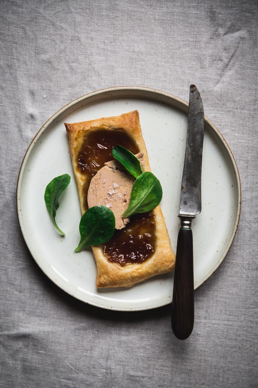 Tartelette feuilletée confit d'oignon et foie gras - Ophelie Lauret - Ophelie's Kitchen Book-2