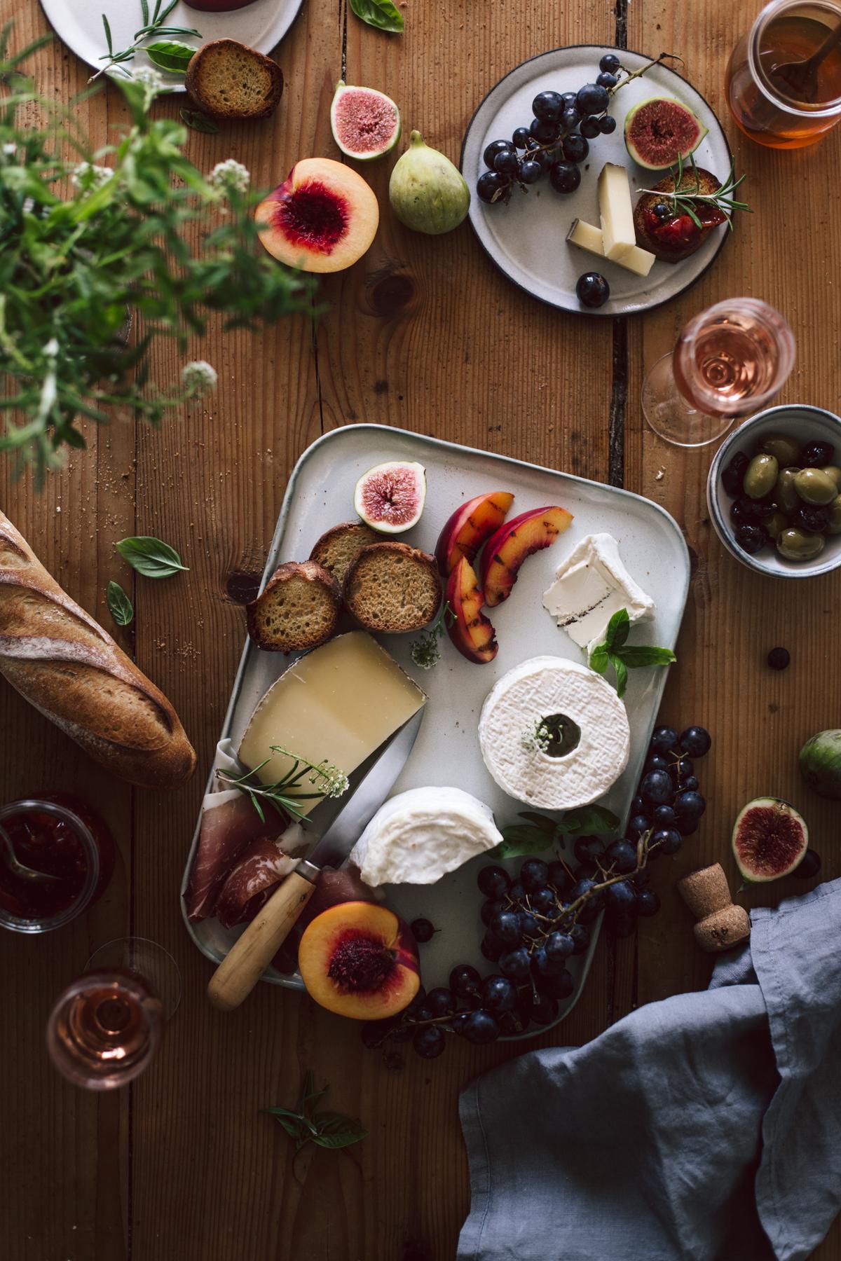 Plateau apéritif, fromage de saisons, confiture de tomates cerises, champagne rosé - Ophelie's Kitchen Book-14