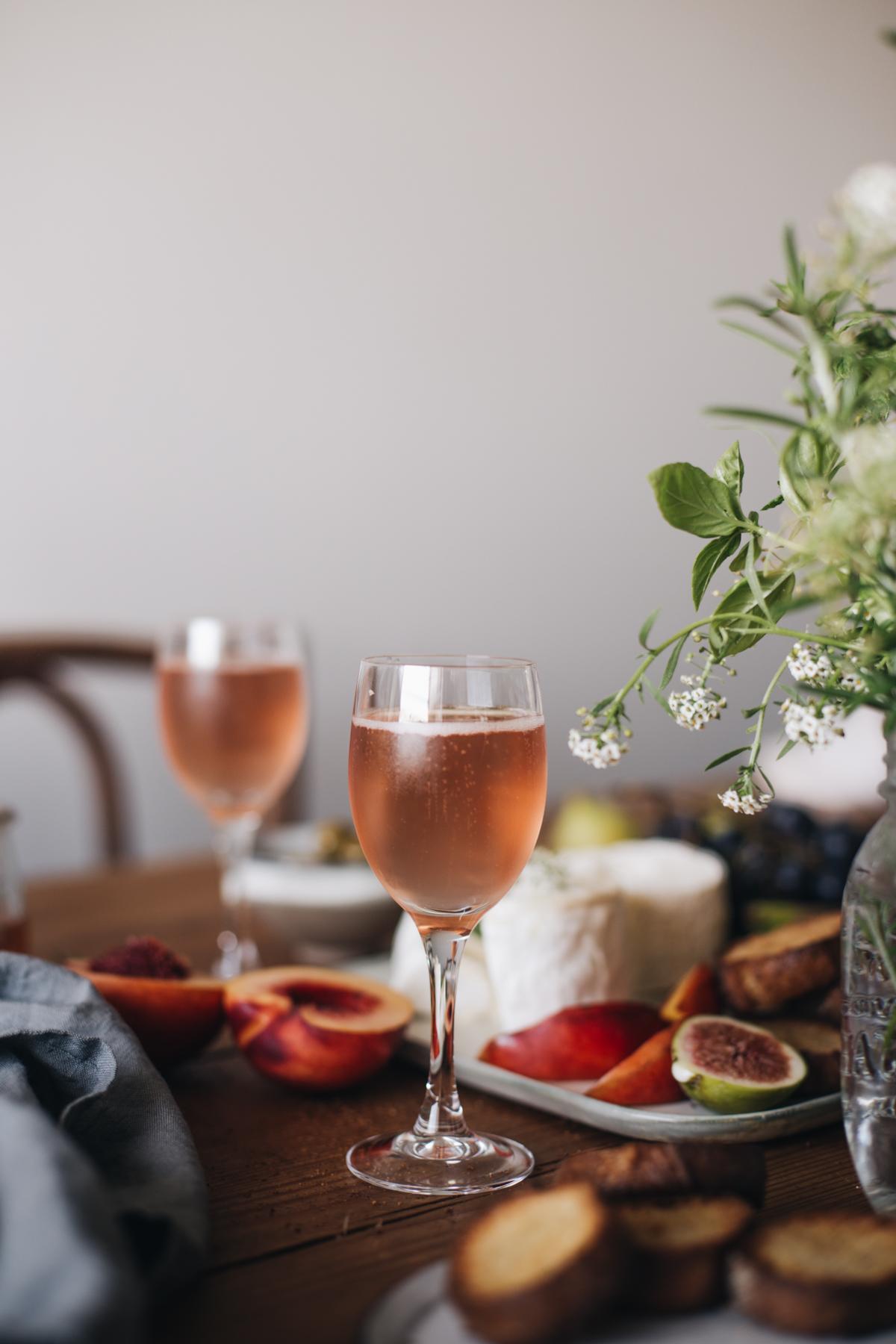 Plateau apéritif, fromage de saisons, confiture de tomates cerises, champagne rosé - Ophelie's Kitchen Book-3