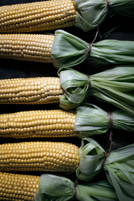 Maïs chauds au beurre persillé
