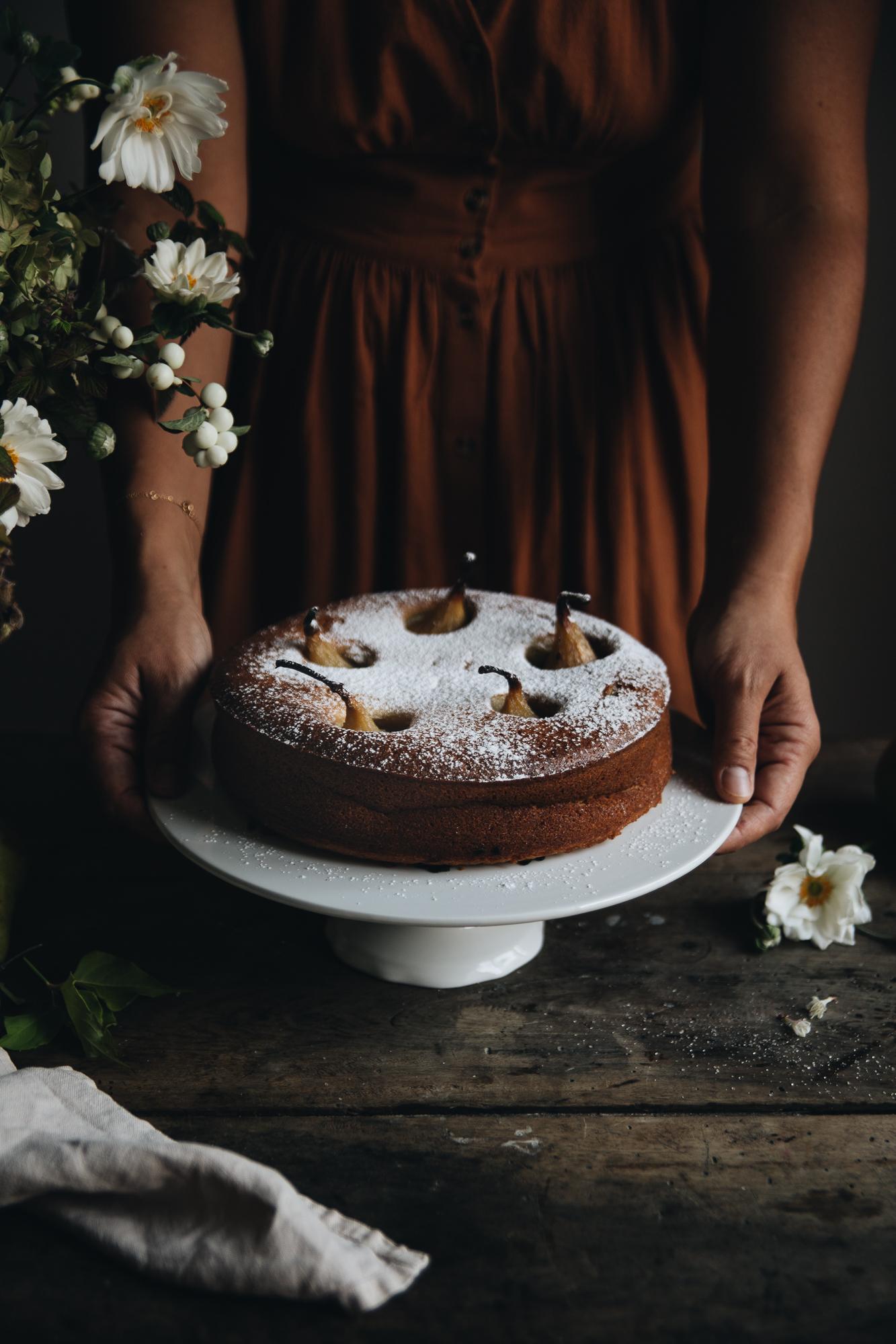 Gâteau aux poires pochées à la vanille - Ophelie's Kitchen Book