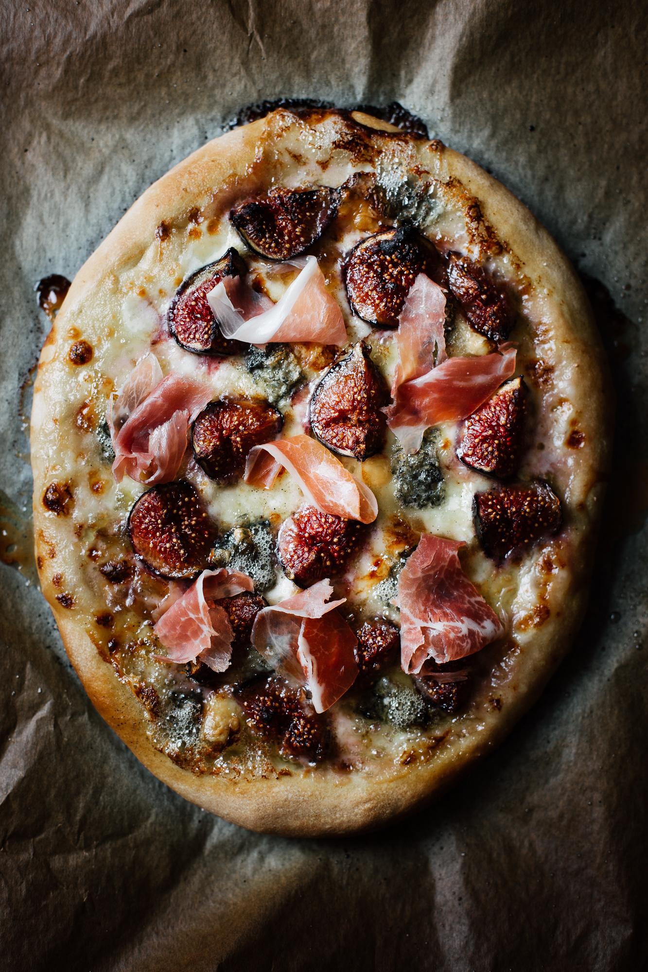 Pizza figues chèvre et prosciutto